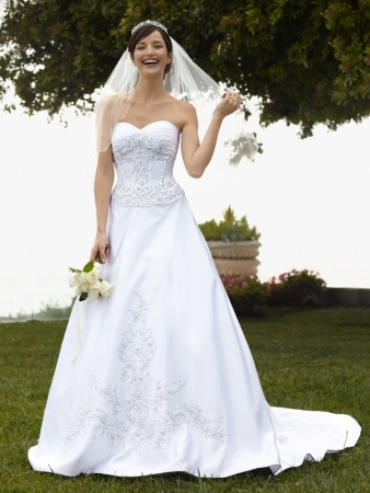 DAVIDS BRIDAL WEDDING DRESSES Handese Fermanda