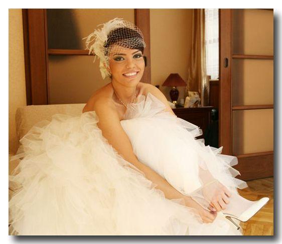 angled birdcage bridal veil