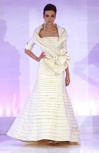 Cymbeline strapless tiered mermaid style wedding dress