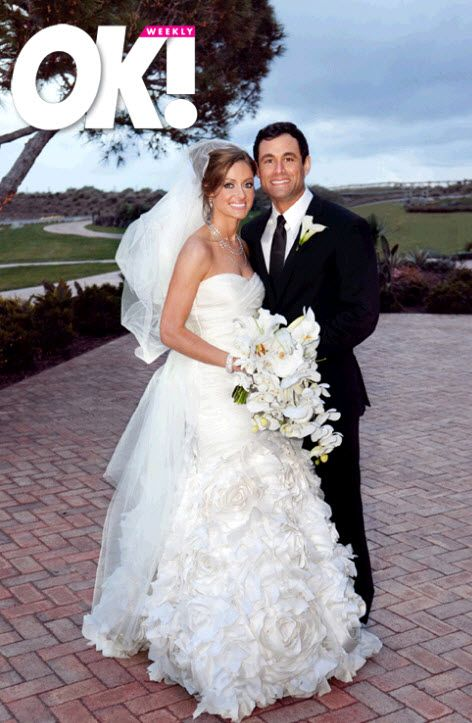 First look- Jason Mesnick and Molly Malaney (in Monique Lhuillier) wedding