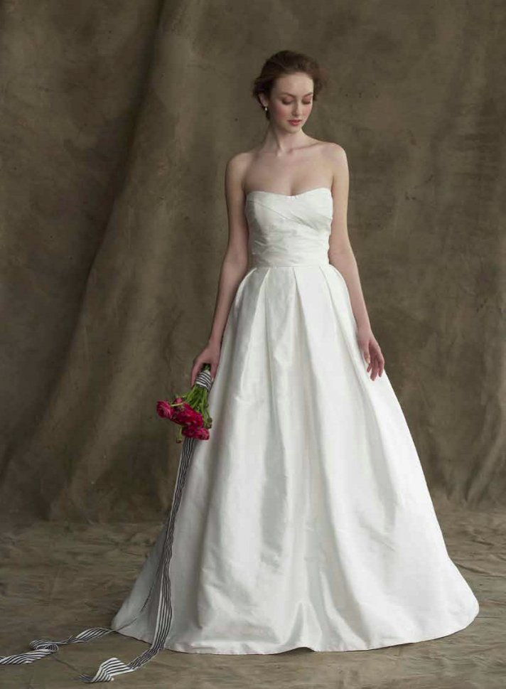 The Audrey wedding dress from Alyne features a sweetheart neckline and comes in white or ivory