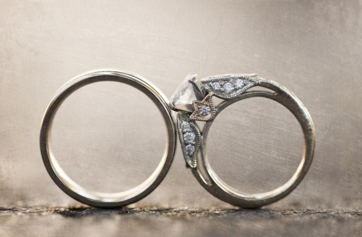 engagement-ring-wedding-bands-artistic-wedding-photo-pave-diamonds