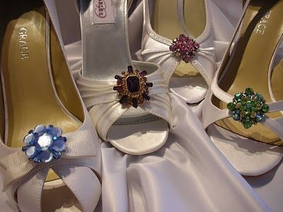 These classic ivory bridal shoes have been updated with colorful shoe clips