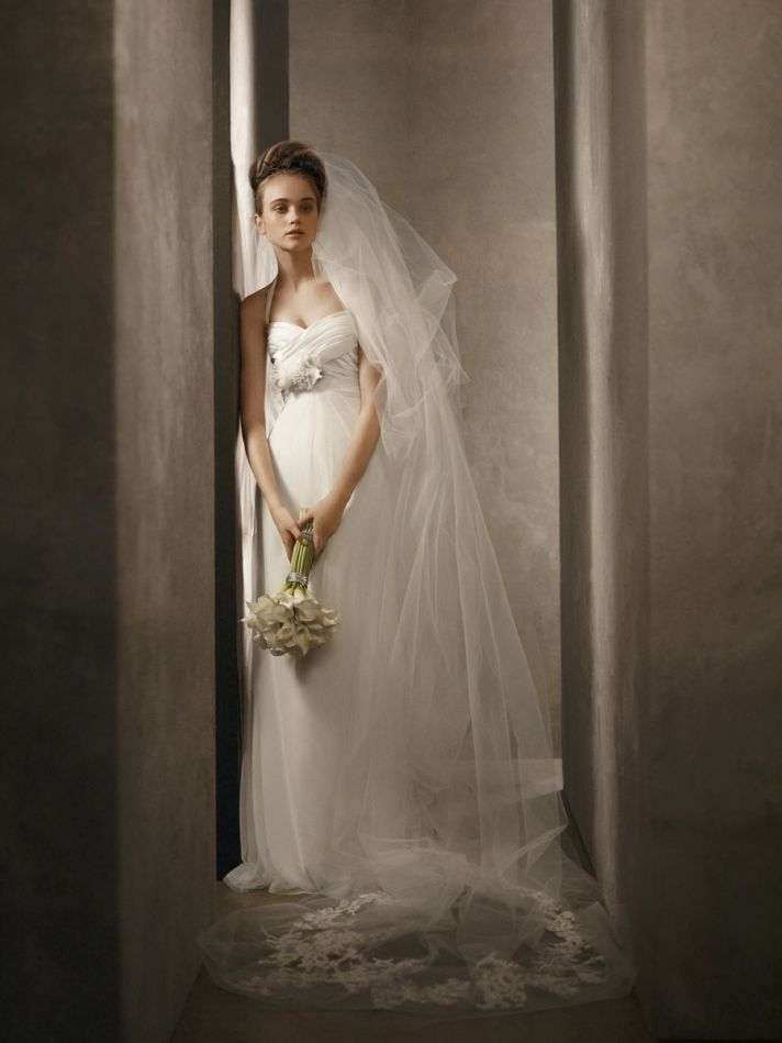 White by Vera Wang 2011 ivory wedding dress with sweetheart neckline