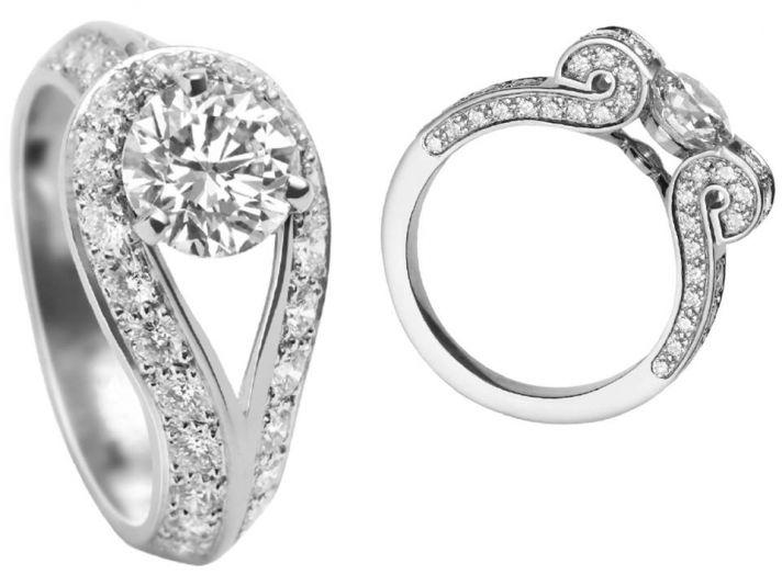 Dazzling Van Cleef & Arpels classic engagement rings