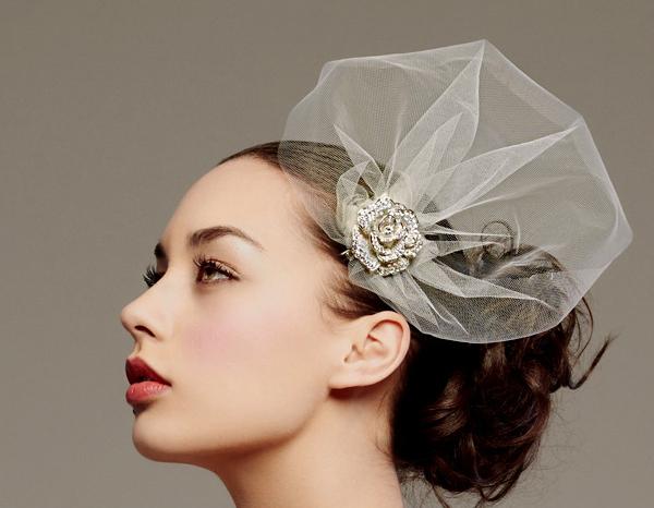 couture-bridal-headpiece-posh-veils-rhinestone-brooch