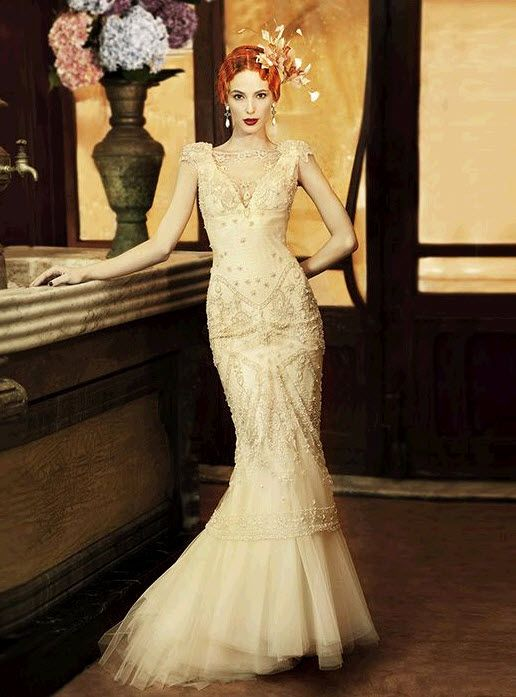 Vintage-inspired deep ivory mermaid wedding dress