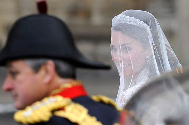 Kate Middleton wears simple Cartier tiara and mid-length bridal veil