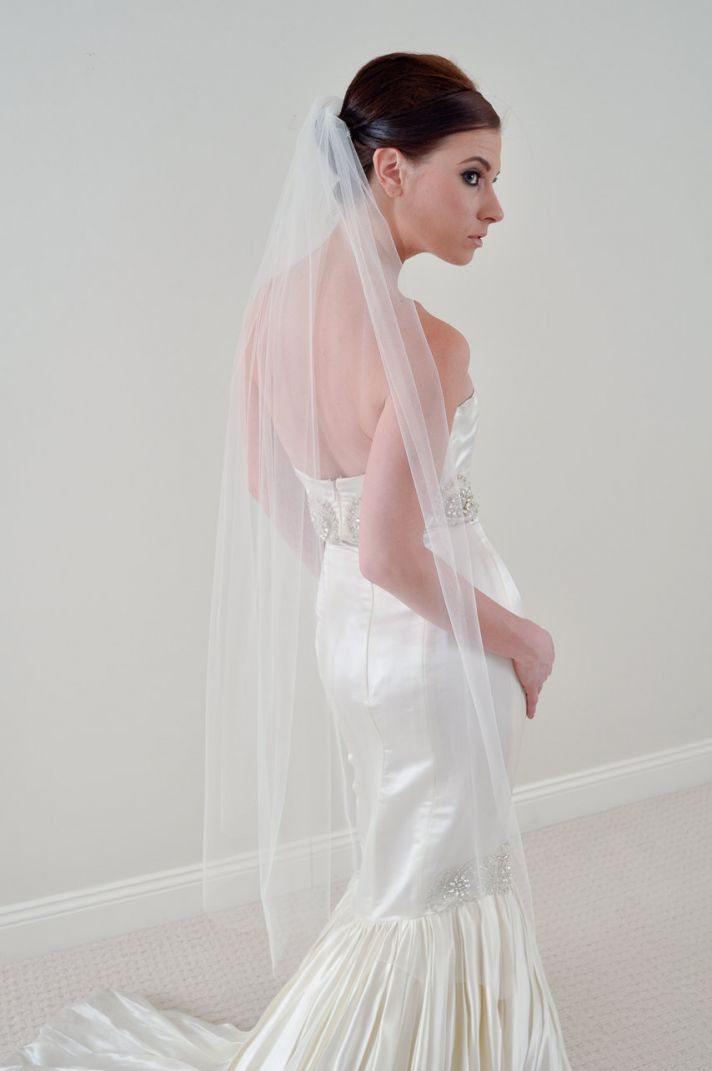 Why the long veil bridal veils 101 onewed for Long veil wedding dresses