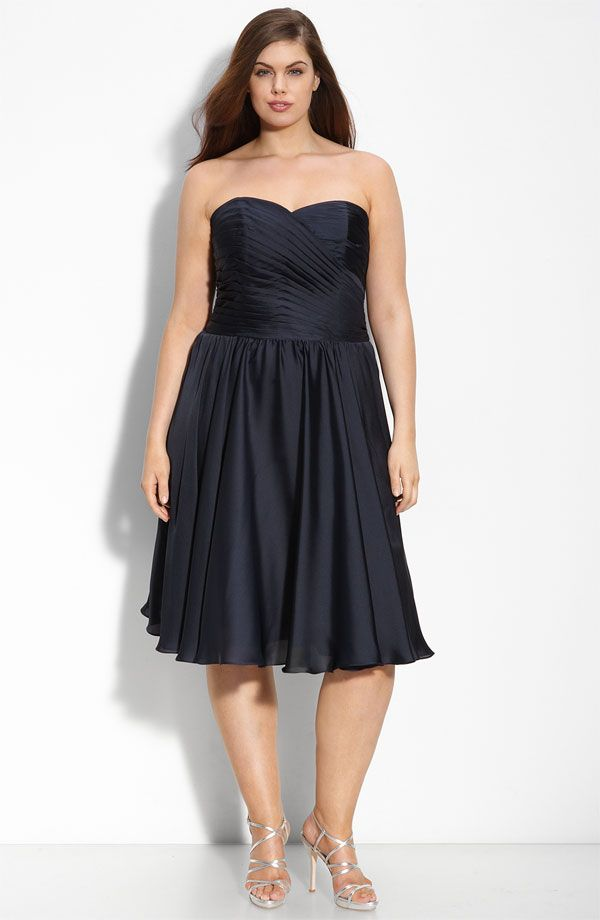 Chic deep navy blue plus size bridesmaid dress by Monique Lhuillier