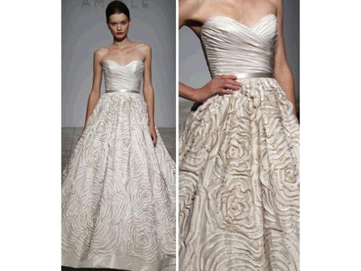 Dahlia wedding dress by Amsale, worn by celebrity Sara Rue