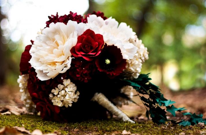 elegant-bridal-bouquet-red-ivory-crimson-paper-wedding-flowers-handmade