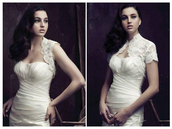 Short sleeved lace bridal boleros in ivory Venetian lace by Paloma Blanca