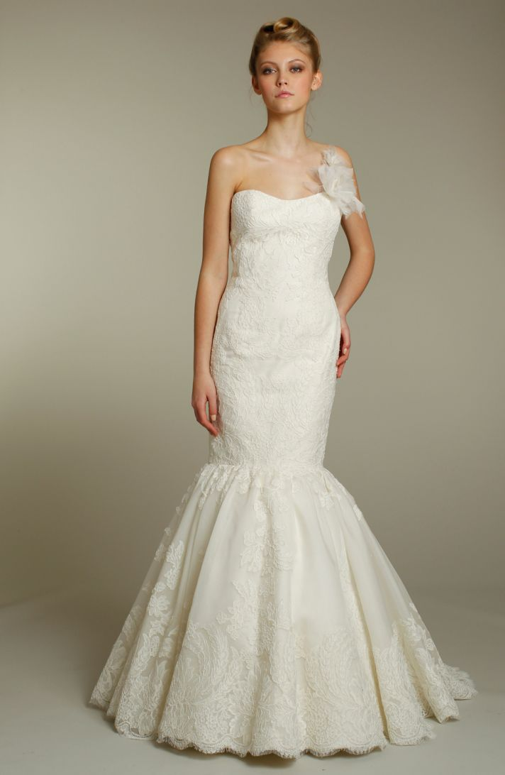 Romantic ivory lace drop-waist mermaid wedding dress with one shoulder