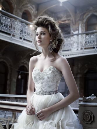 Lazaro did a fantastic job with its Fall 2011 bridal collection