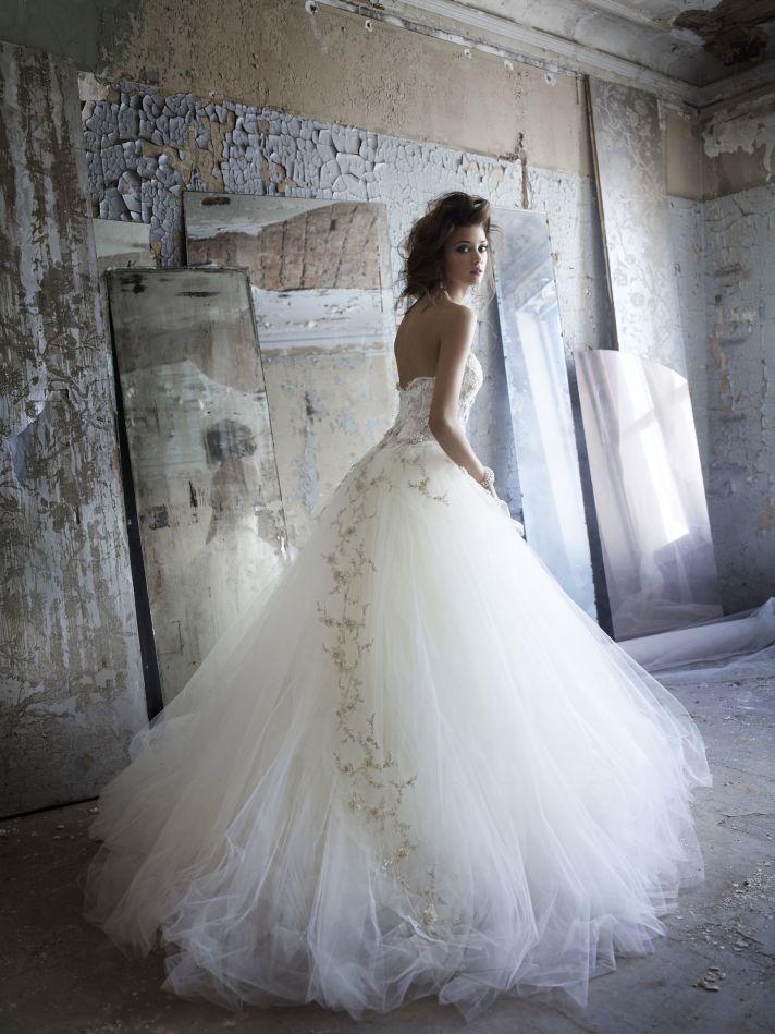 Tulle ballgown wedding dress