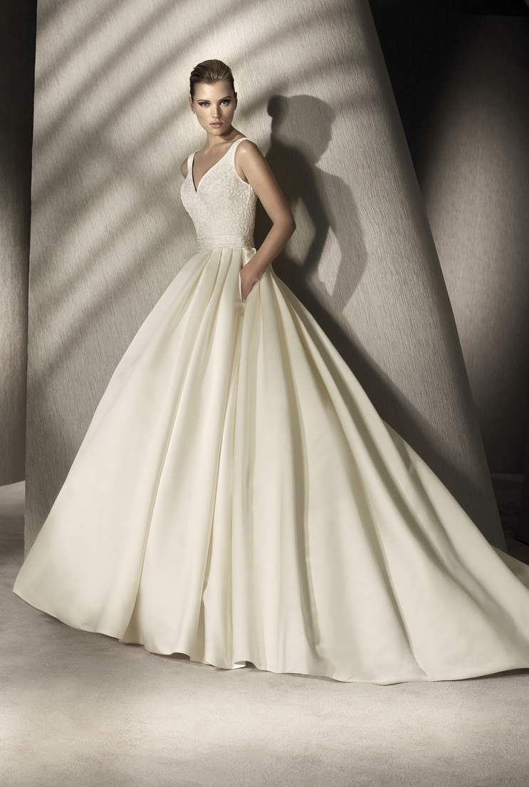 Here you can give a Wedding Dress 2012 fabulous cheap new ball gown.