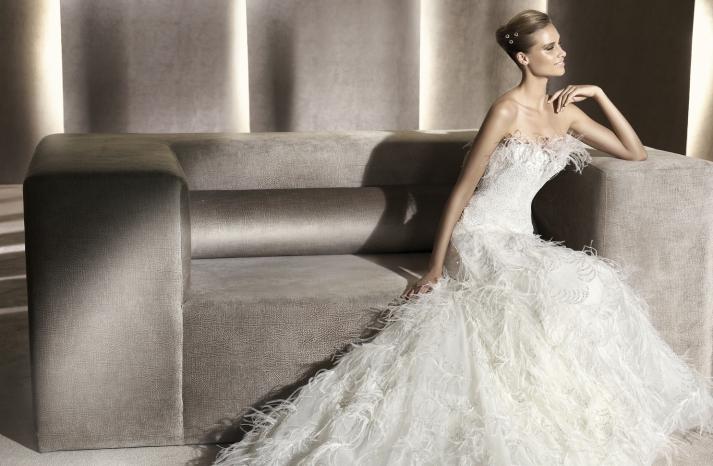 wedding-dress-manuel-mota-2012-bridal-gowns-feathers-eneida