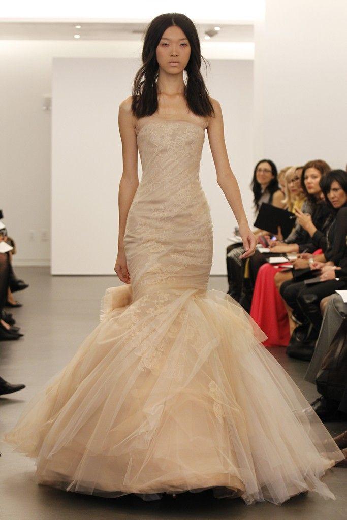 9fa9545693a9 Vera Wang's offbeat wedding dress collection, Fall 2012