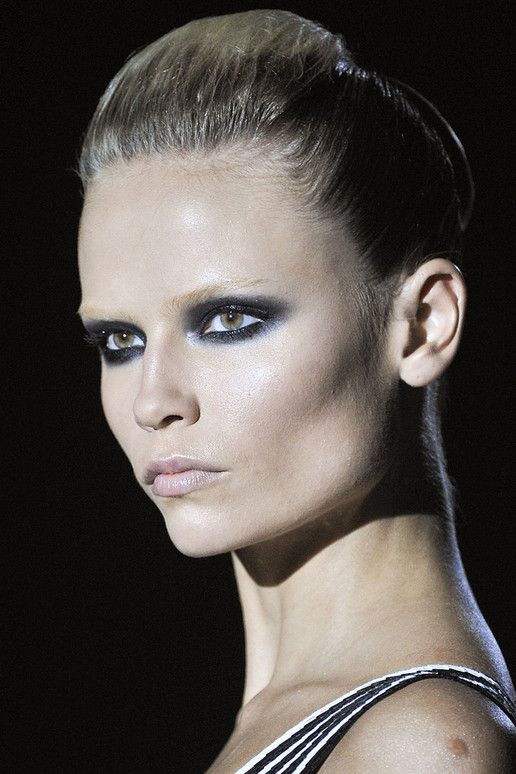 Credit Dramatic bridal makeup ideas from Gucci 39s Spring 2012 RTW runway