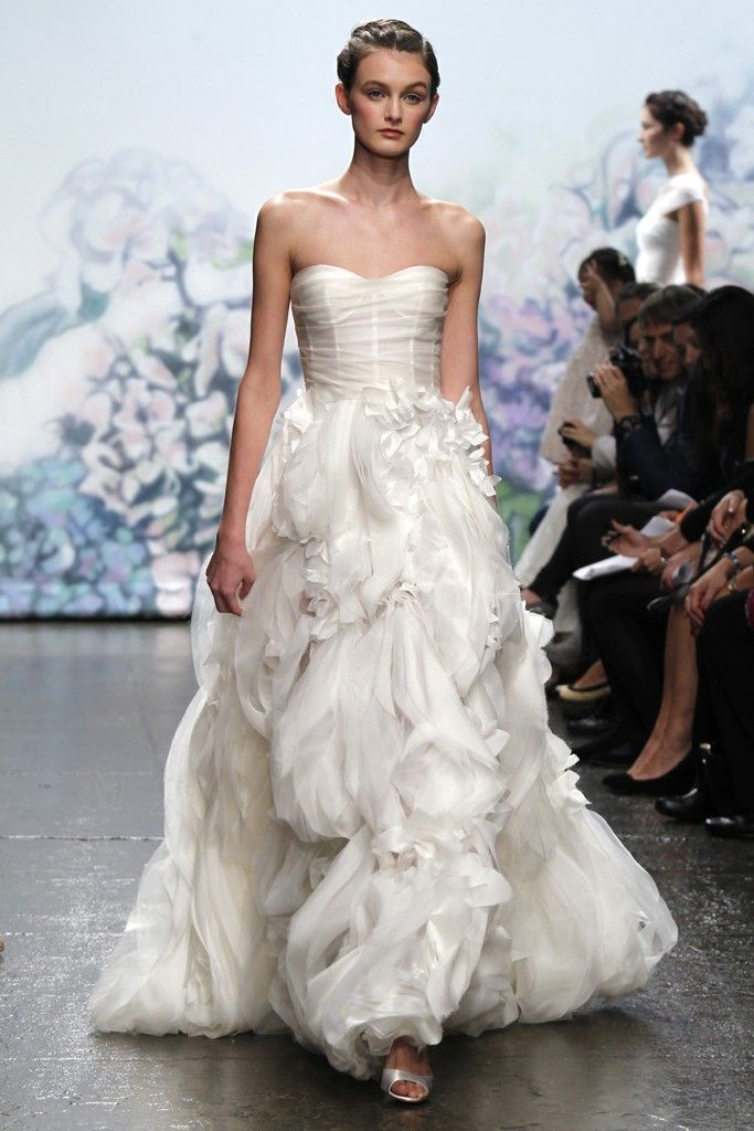 7 best fall 2012 wedding dresses by monique lhuillier for Monique lhullier wedding dress