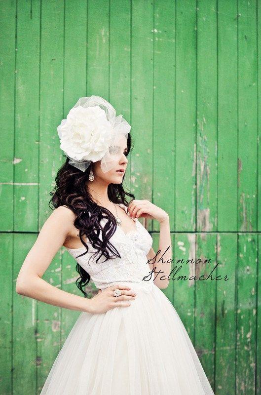 vineyard wedding ideas bridal gown headpiece 3