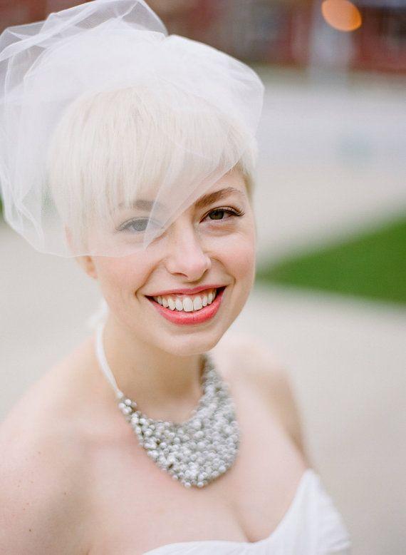 pouf bridal veil