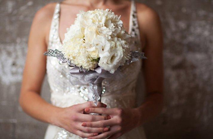 winter wedding white bridal bouquet silver details