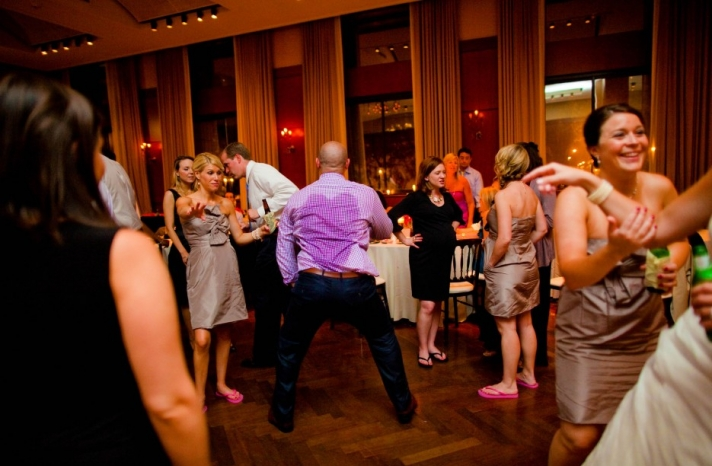 funny wedding photos reasons to stay sober at reception 1