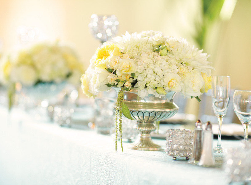 spring summer wedding white yellow wedding flowers centerpieces