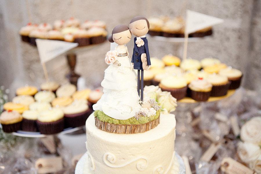 Jalysa 39 s blog romantic wedding themes outdoor wedding for Outdoor wedding cake ideas