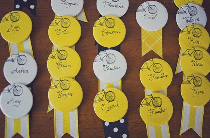 creative wedding reception ideas escort cards ribbons