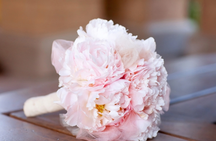 monochromatic bridal bouquets light pink peoney tuile bouquet