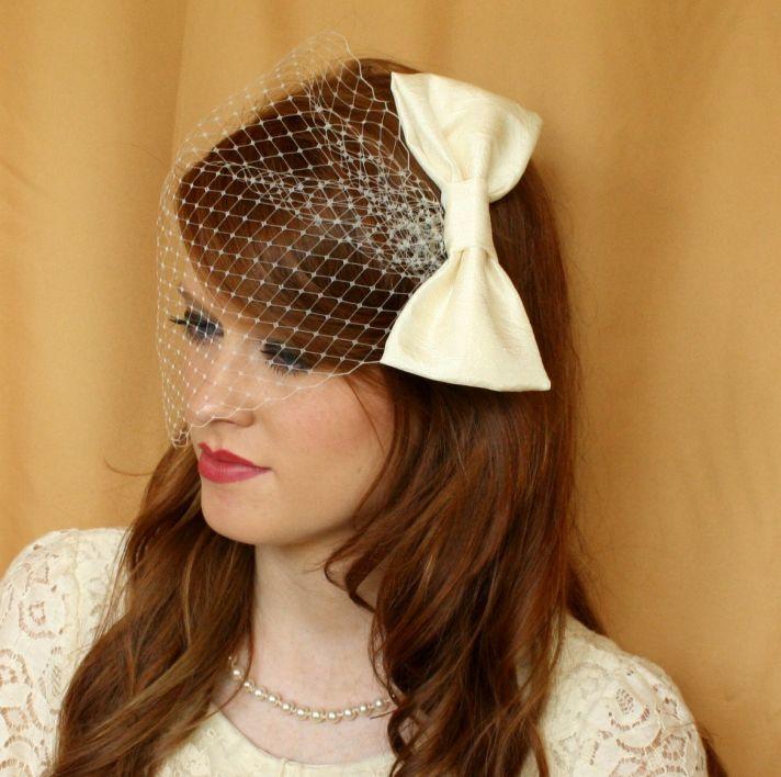 birdcage bridal veil with bow