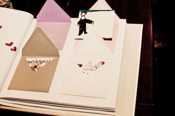 6 creative wedding guest book alternatives for Photo wedding guest book