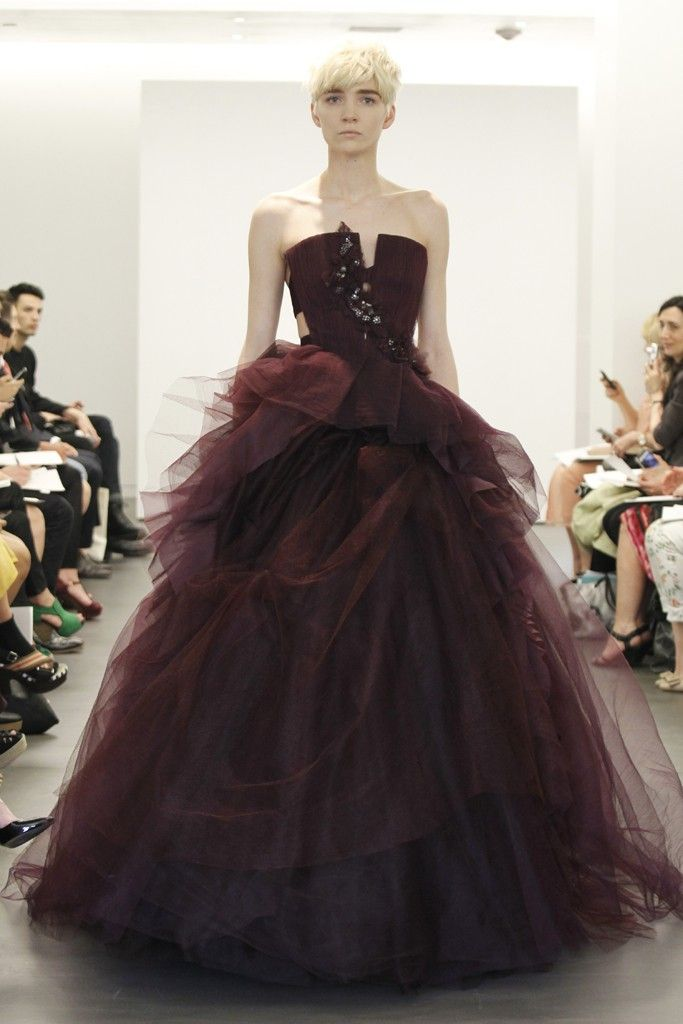 2013 wedding dress trend two tone bridal gowns Vera Wang maroon ballgown