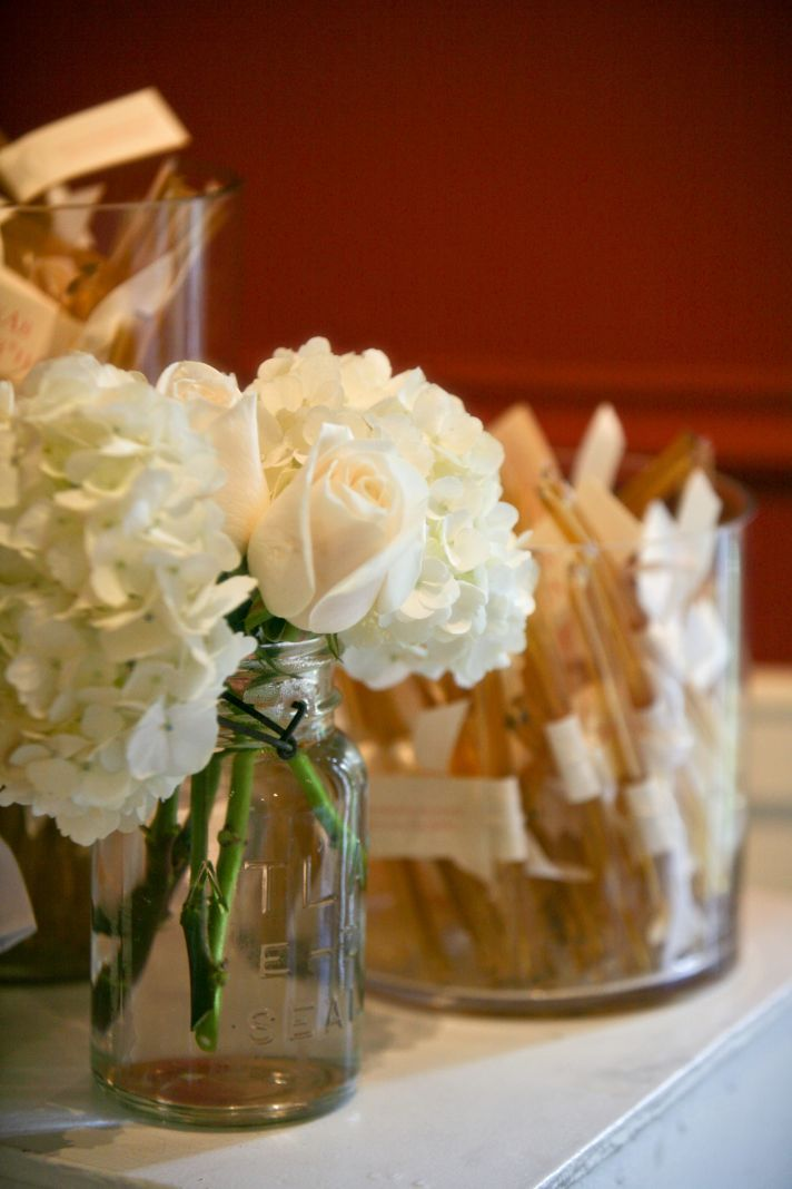 personalized real wedding planning inspiration for brides wedding flower centerpieces
