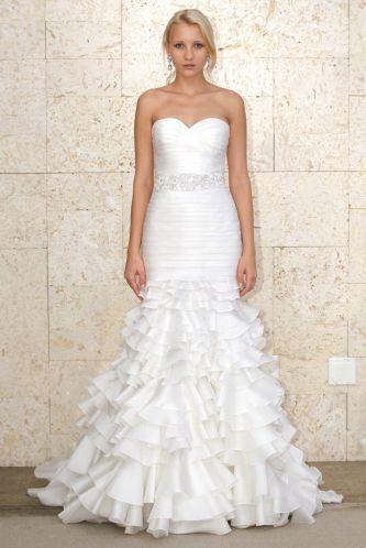 Oscar de la renta wedding dress style spring 2012 04 for Oscar de la renta wedding dress prices