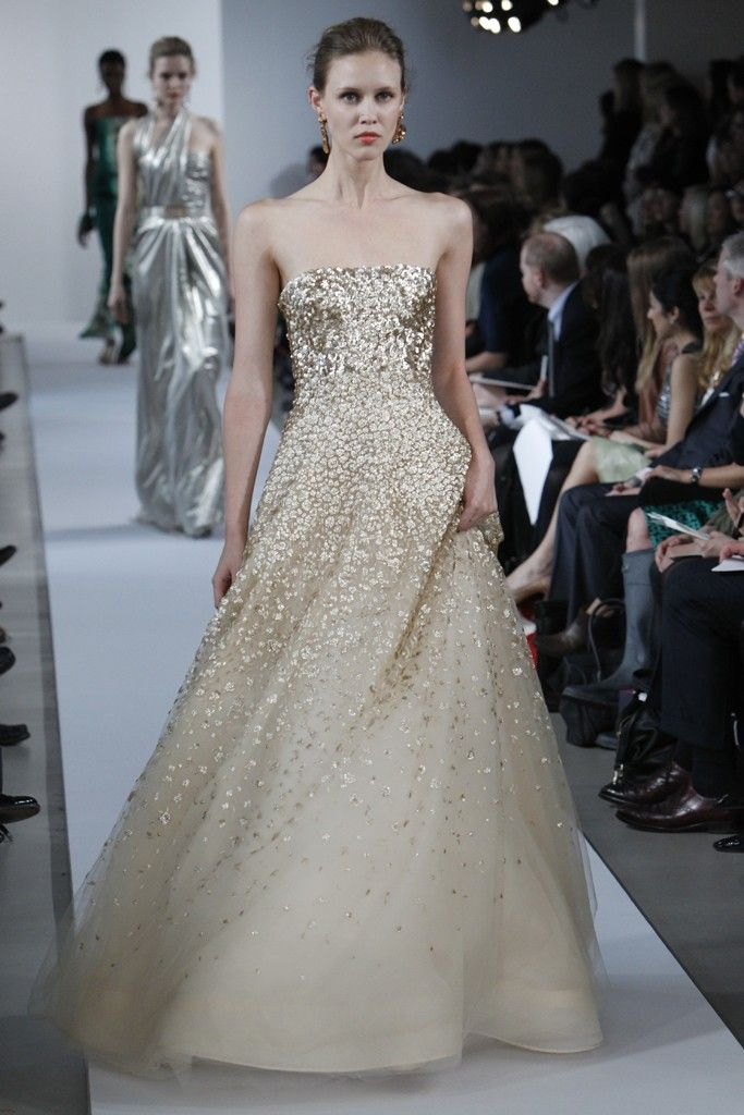 Oscar De La Renta Goes Bold Gold With Flowers All Over