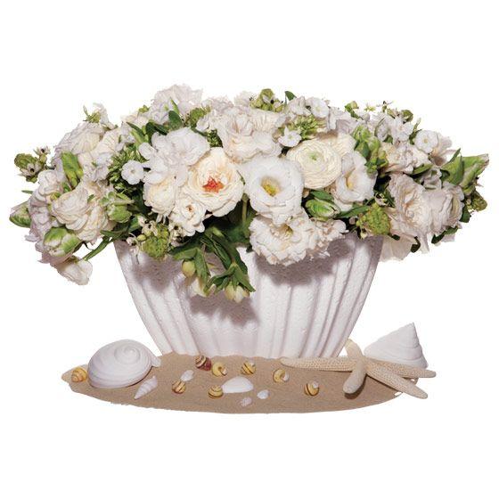 unique wedding centerpiece Star of Bethlehem ranunculus peonies garden roses phlox lisianthus freesi