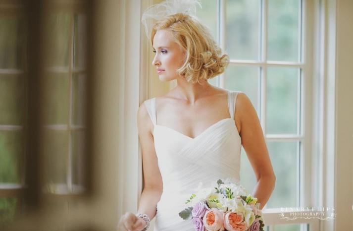 blonde vintage bride short wedding hair 3