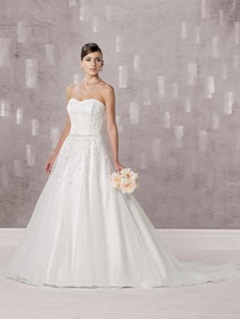 Yorkville Wedding Dresses 33