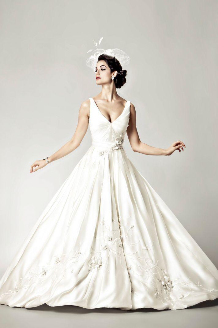 15 Divine Wedding Dresses for the Vintage Glam Bride
