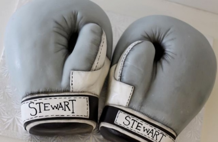 boxing gloves grooms cake creative wedding cake ideas