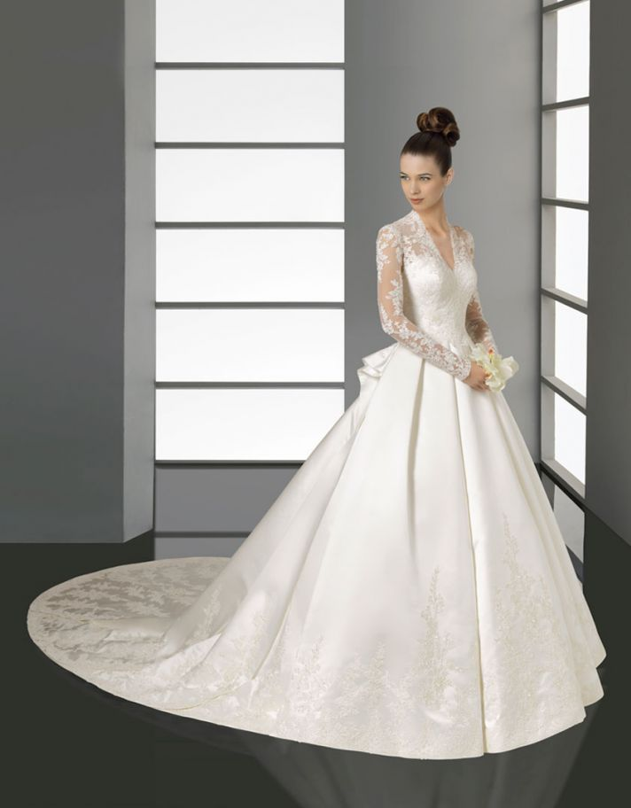 romantic lace wedding dress rosa clara bridal gown 2012 Kate