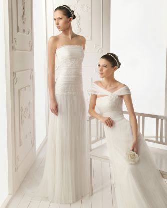 Aire barcelona wedding dress style reina onewed for Barcelona wedding dress designer