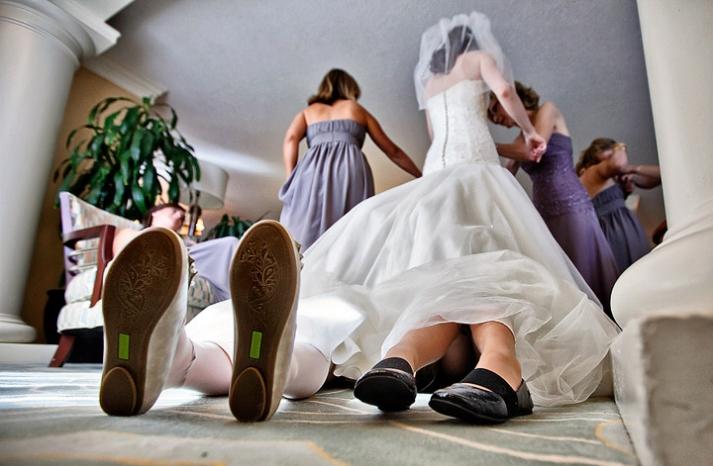 priceless wedding photos kids plan beneath dress