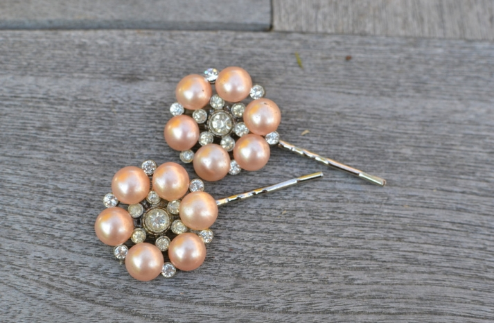 pearl wedding accessories handmade Etsy wedding finds peach pearl hairpins