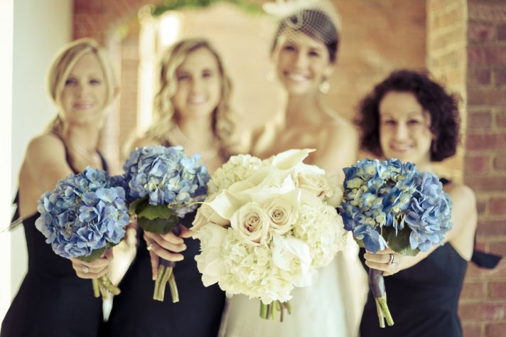 charming country club wedding bride bridesmaids bouquets
