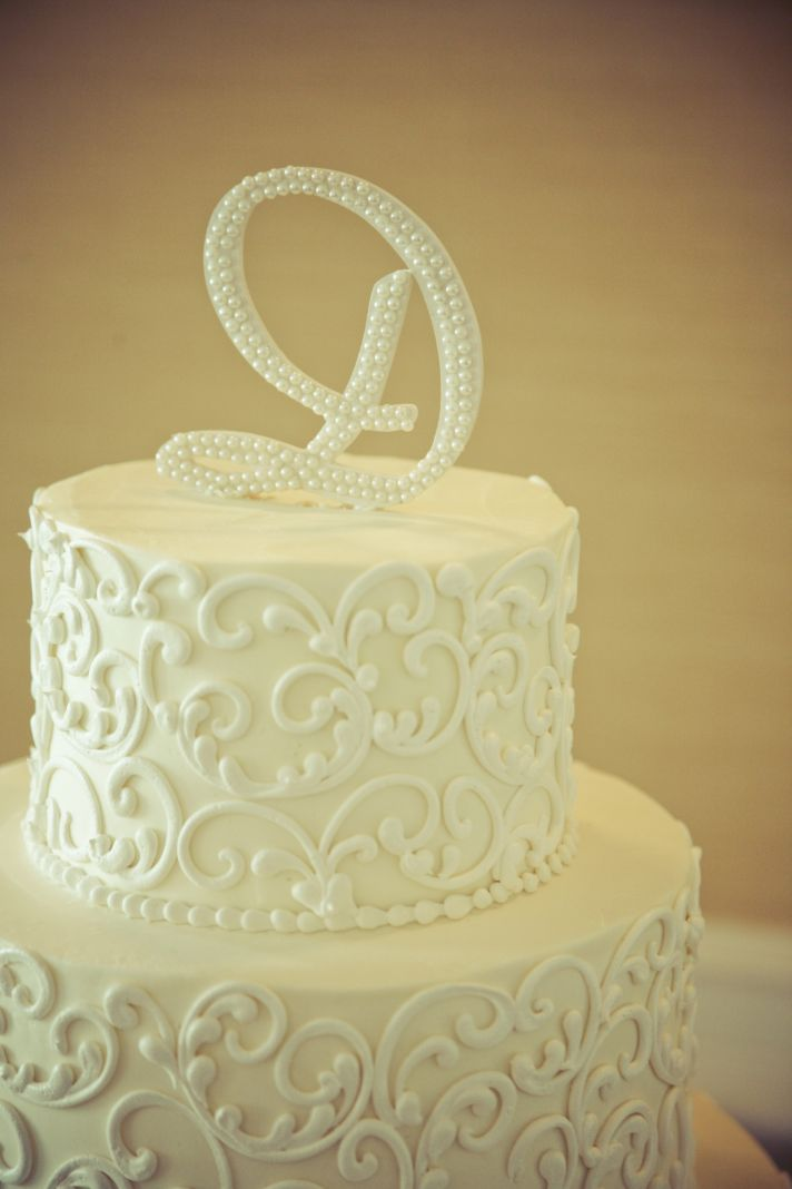 charming country club wedding classic cake